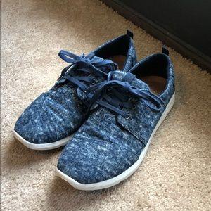 TOMS sneakers 🌀